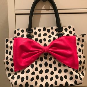 Betsey Johnson White & black tote dark pink bow
